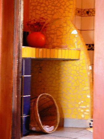 La Maison du Pyla: Bathroom detail
