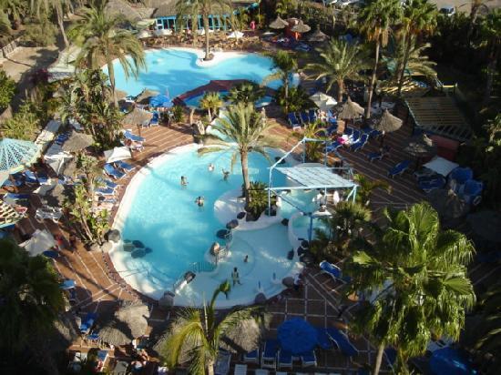 Piscina picture of ifa beach hotel san agustin for Piscinas san agustin burgos