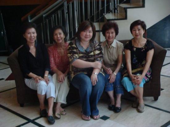 โรงแรมซานติกาพลเทียนัค: With Mom & Aunties