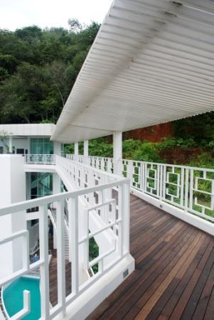 Hilltop Hotel by the Lantern Group: bridge to the main building