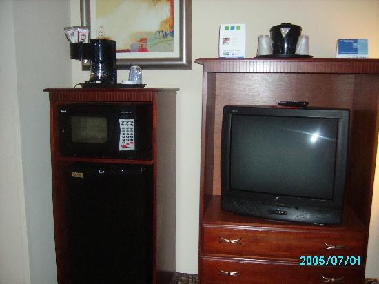 Holiday Inn Express San Antonio N-Riverwalk Area: TV ref, microwave and high up coffeemaker!