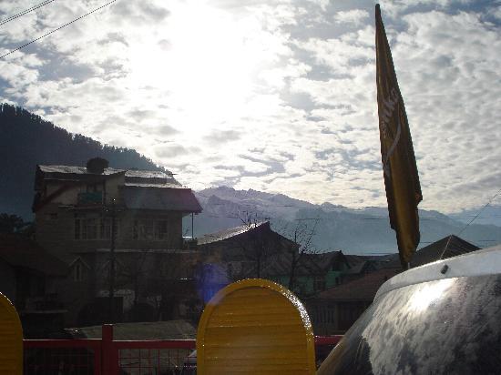 Hotel Kanishka: taken from the room window