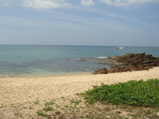 Lanta River Sand Bungalow: beach
