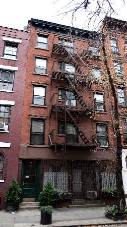 Greenwich Village Habitue: The apartment block