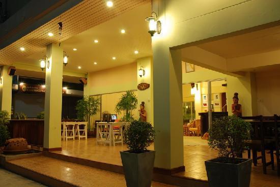 Baan Nilawan Hua-hin Hotel: Main Entrance and Lobby
