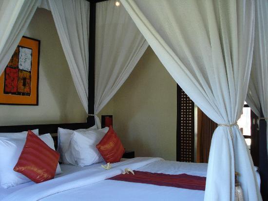 The Ulin Villas & Spa: View of bedroom