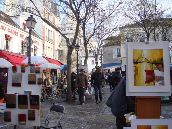 Place du Tertre artists in the winter