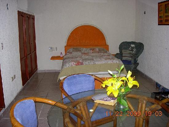 Hostelito Cozumel: Sitting and Sleeping Areas