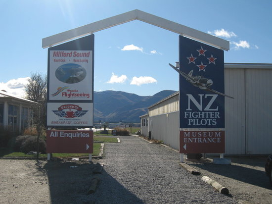 New Zealand Fighter Pilots Museum: ゲート