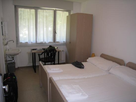 standard room, Le Cenacle, Geneva