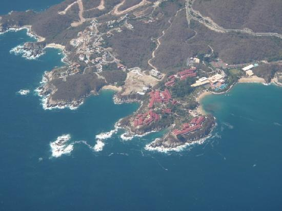 Las Brisas Huatulco: view from plane