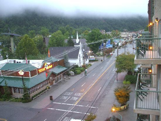 Black Bear Inn & Suites: View of Downtown Gatlinburg from the Clarion