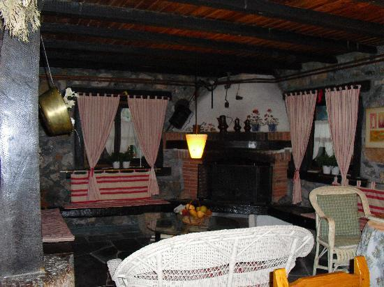 Agroturismo Txopebenta: Breakfast & living room