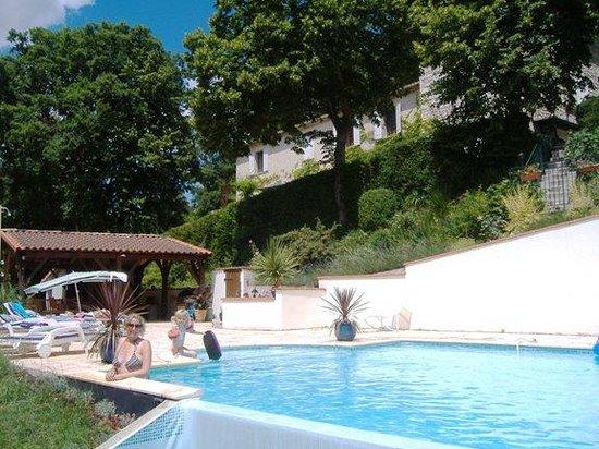 Cruzel : Sunshine & big pool again!