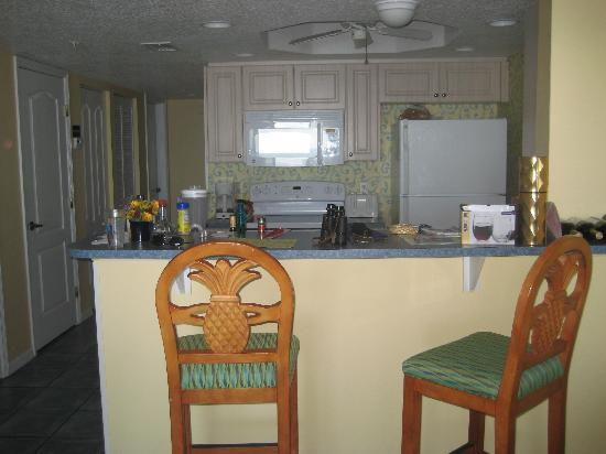 The Resort on Cocoa Beach: kitchen