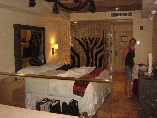 Hotel Aladdin: Zimmer
