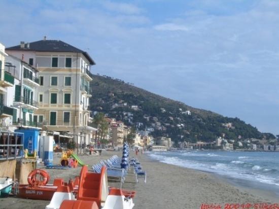 Strand von Alassio