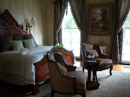 Falls of Rough, KY: Green Mansion Historical Inn