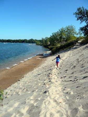 Picton, Canada: Sand Dunes Beach.