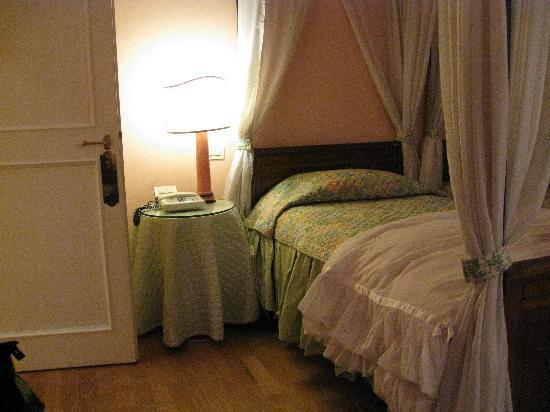 Hotel Villa Azalee: TRL