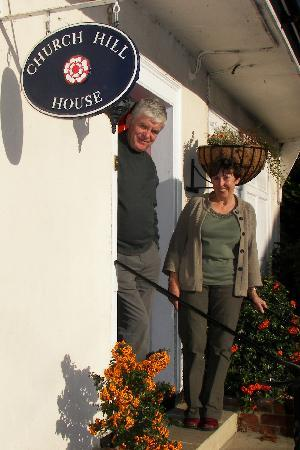 Church Hill House: Our hosts: Richard and Susan at the front door. Gracious and accommodating, we felt like family.