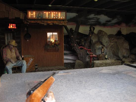 Old Tucson : Creepy shooting game