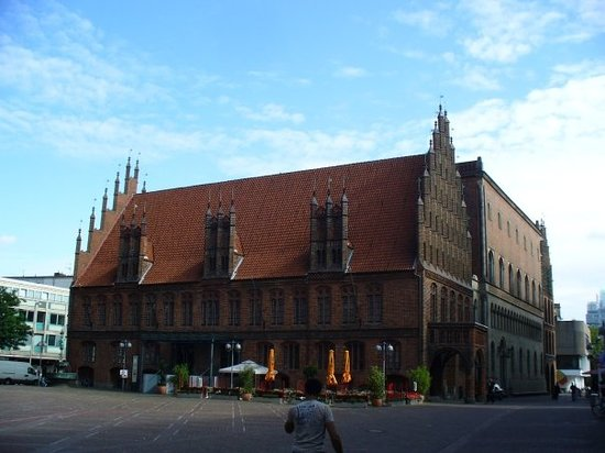 Ганновер, Германия: The old town hall in Hannover - 1409-55