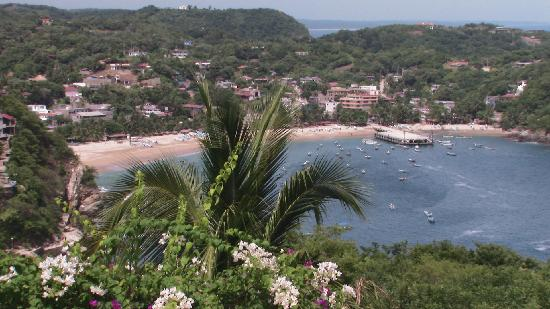 Hotel Cordelias: view of Puerto Angel and Playa Principal
