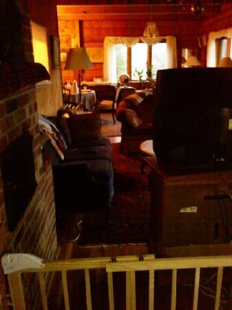 Lena's Lodge: Obstacle course to breakfast