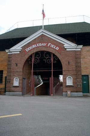 ‪Abner Doubleday Field‬