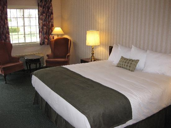 Salem, NH: Standard King Room