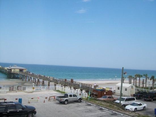 Tropical Suites Daytona Beach: View 306