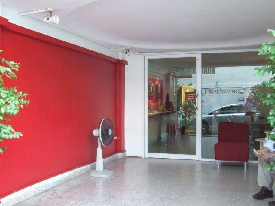 Baan Saladaeng Boutique Guesthouse: entrance