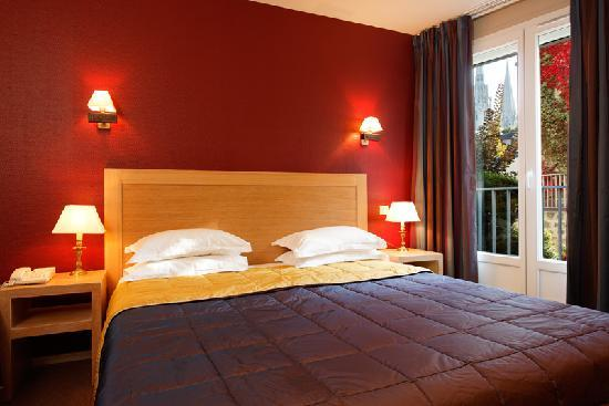 Timhotel Chartres Cathedrale  France
