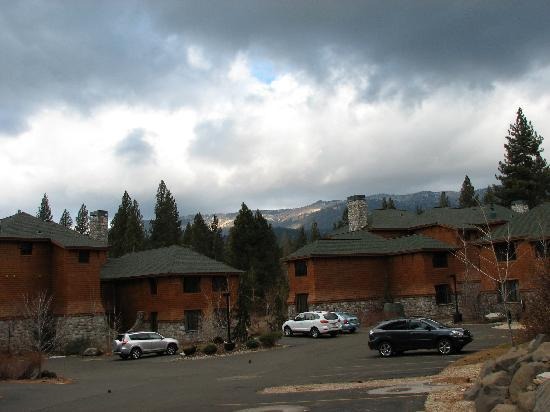 ‪‪Hyatt Residence Club Lake Tahoe, High Sierra Lodge‬: A view of Buildings 5 and 6‬