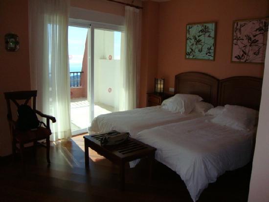 Ecohotel Puerto de Ojen: habitación preciosa