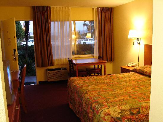 Relax Inn and Suites: Spacious & comfortable