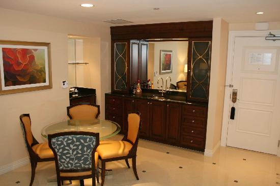 Dining/Wet Bar Area - Picture of Waldorf Astoria Orlando, Orlando ...