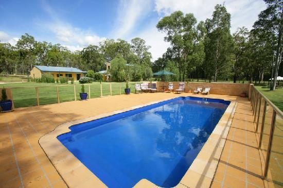 Chez Vous Villas: Pool