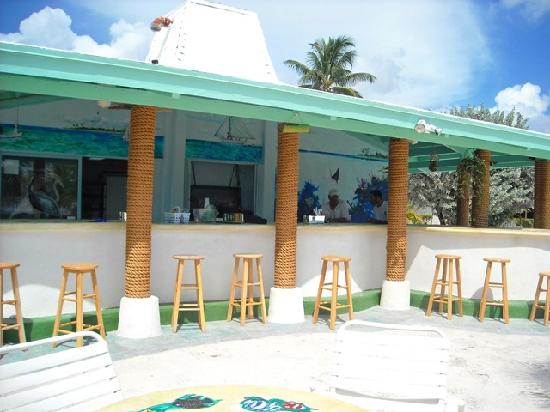 Coral Beach Hotel and Condos: Pool bar is open, serving fresh lobster for $15 and other goodies.