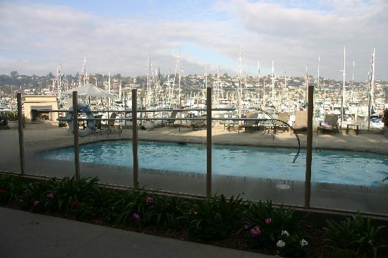 Best Western Plus Island Palms Hotel & Marina: the pool - Casa del Mar