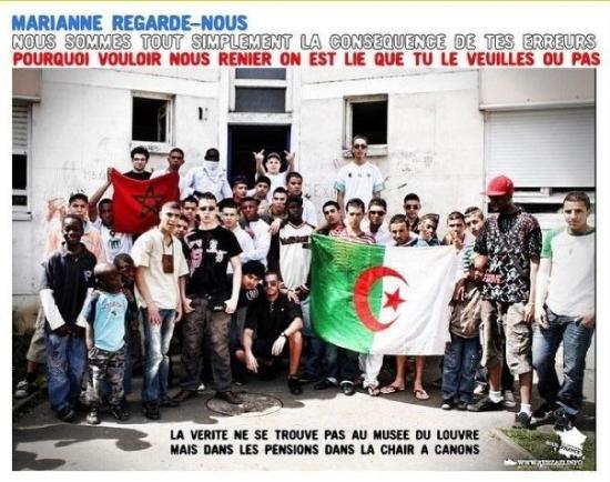 Châtellerault, France : represente la magreb  vive l Algerie Ness de mon gartier  PLAINE D'OZON