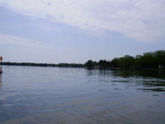 Syracuse, NY: Owasco lake looking south west