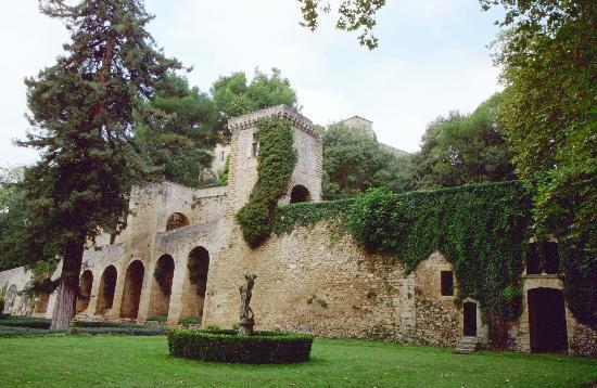 Chateau de la Barben: Jardins à la française