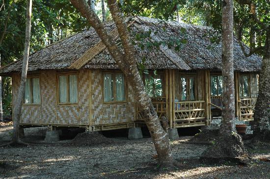 Mimpi Indah Resort: Cabin exterior