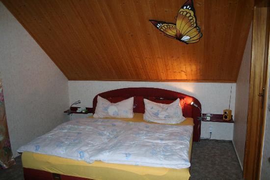 Hotel-Pension Weingart Quedlinburg: Schlafzimmer in der Pension Weingart