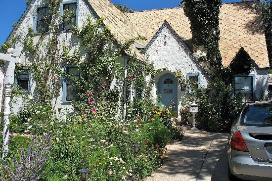 The Garden Cottage Bed and Breakfast: why it's name is The Garden Cottage