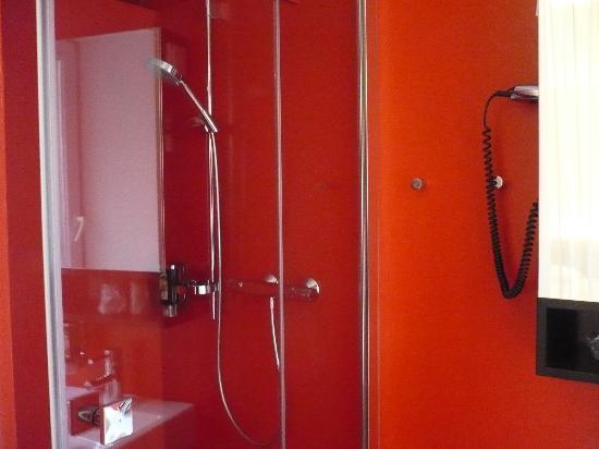 Alma Boutique-Hotel: la doccia