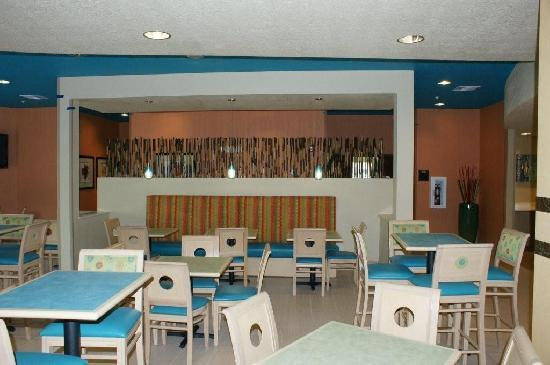 Comfort Suites at Fairgrounds - Casino : Breakfast area