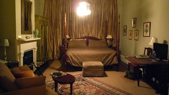 McKendrick - Breaux House: The Melpomene room